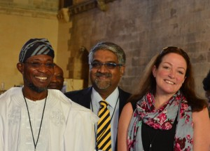 Lesley Drake with HE Rauf Aregbesola and Peter Rodriguez (WFP) in the UK Parliament Great Hall with governor in hallway (12)