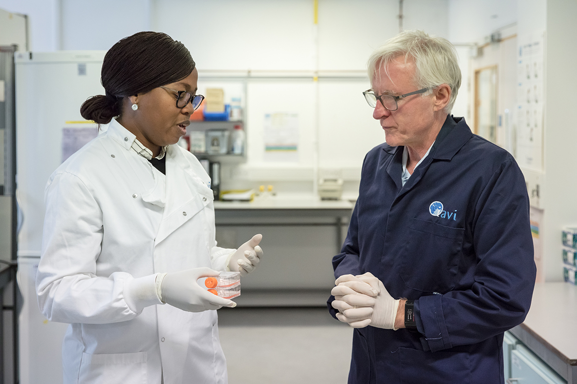 Dr Julia Makinde talks science policy with Sir Norman Lamb in 2018