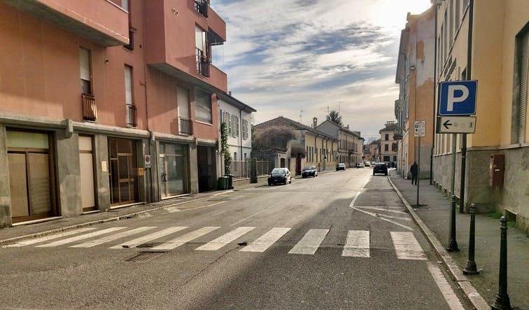Usually busy street in Codogno deserted, 28 Feb 2020