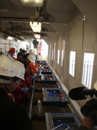 The first core came on deck this morning around 11 am - the party begins!