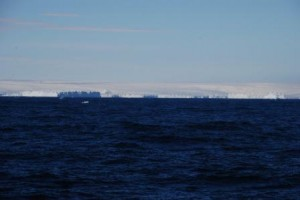 View on the Antarctic ice sheet with icebergs in front of it - what a day! Photo credit: Dan Brinkhuis.
