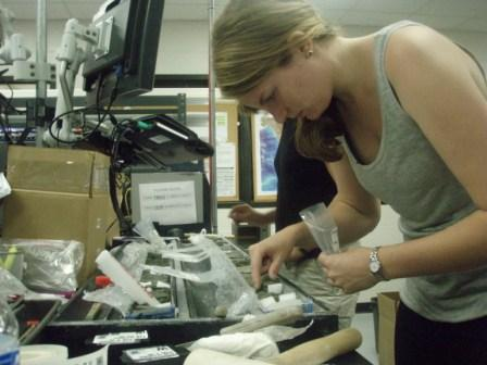 PhD student Elizabeth Pierce (Columbia University), sampling one of the ~15 million year old cores from Expedition 318. Elizabeth is part of the team of research from the Lamont-Doherty Earth Observatory, I collaborate with to understand the provenance of ice-rafted debris around Antarctica.